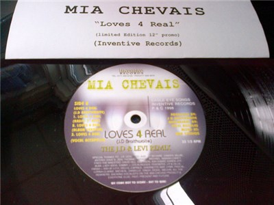 Mia Chevais - Loves 4 Real download mp3 flac